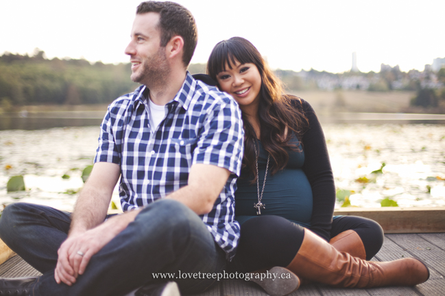 casual lakeside maternity session by award winning photographers Love Tree Photography