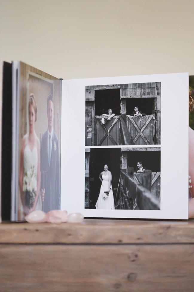 linen materials are eco-friendly wedding album options