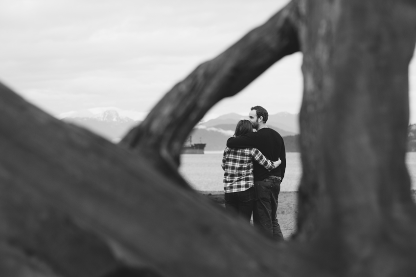 vancouver winter beach engagement session 19