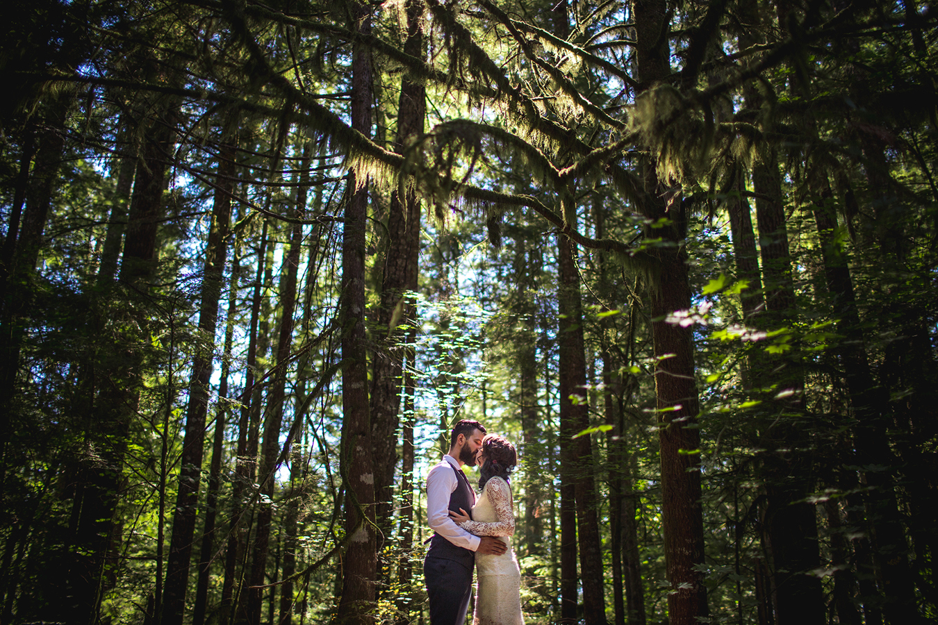 boho forest wedding in the Pacific Northwest