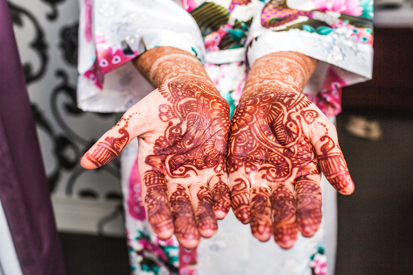 Mendhi on bride's hands in vancouver british columbia