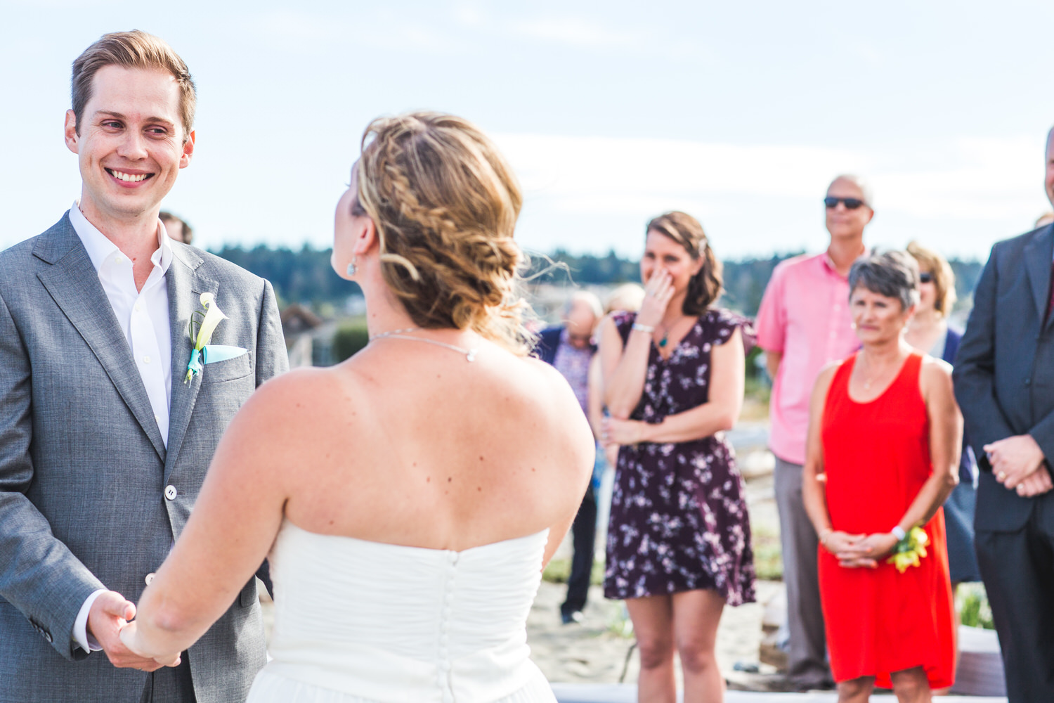 wedding ceremony at Centennial Beach in Ladner