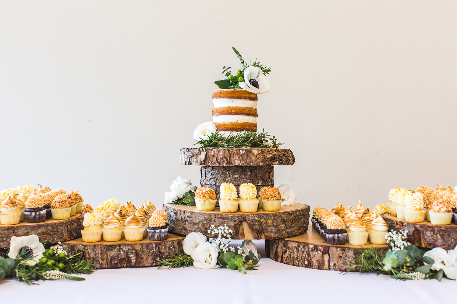 A wedding cake by The Cake and The Giraffe