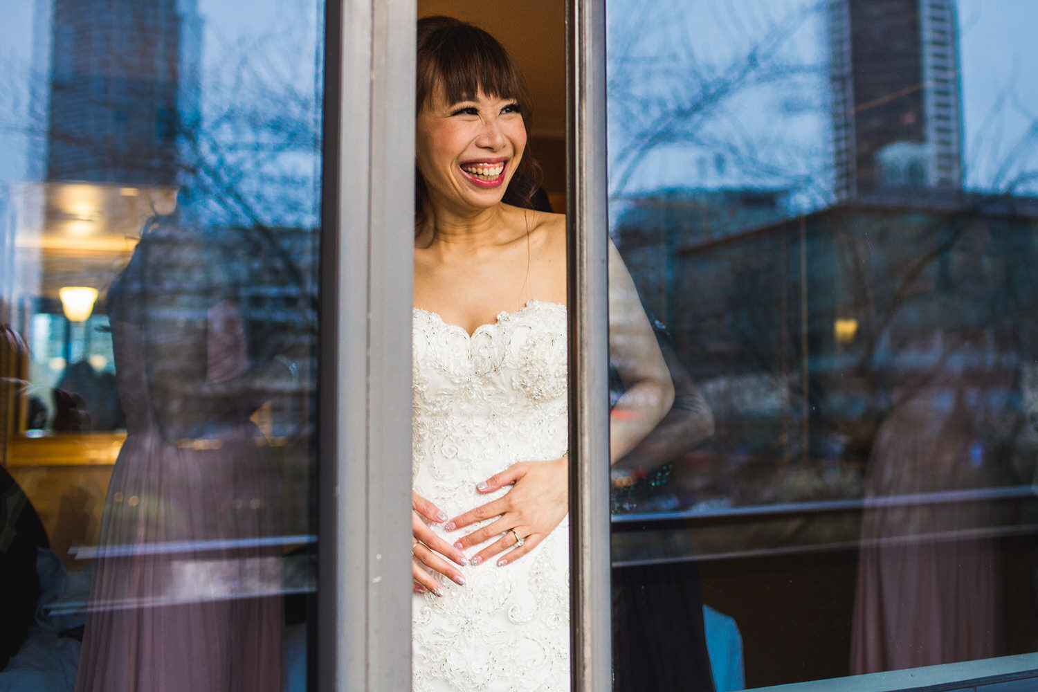 bride getting ready at the wedgewood hotel in vancouver